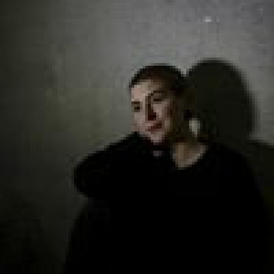 Marie-Theres zoekt een Kamer / Studio / Appartement in Den Haag