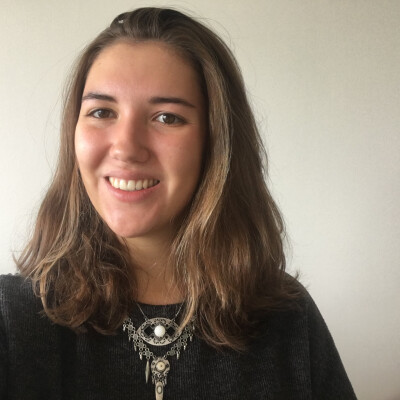 Féline zoekt een Kamer / Studio in Den Haag